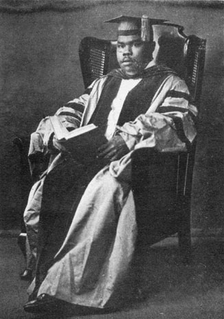marcus garvey research paper essay Published: mon, 5 dec 2016 marcus mosiah garvey was a powerful black revolutionary and race leader who influenced a great many people in his time and continues to do so through reggae music.